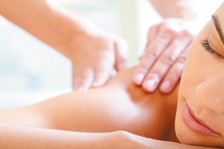 Чи варто робити масаж з грижею хребта?